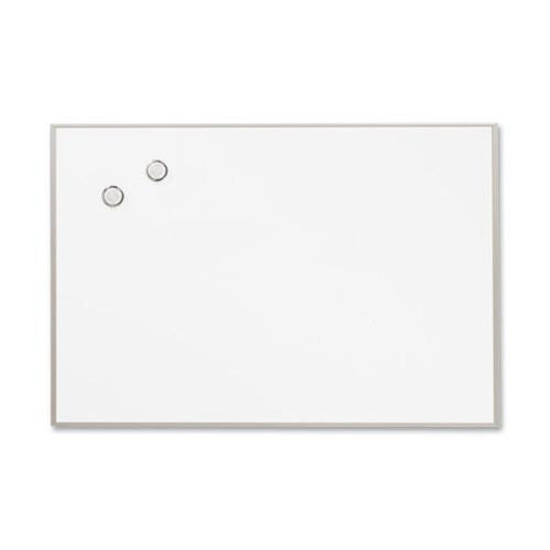 Quartet Magnetic Board - 34'' x 23'' - Includes Marker/Magnets - Aluminum