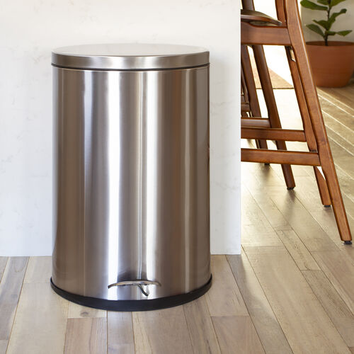 Oval Stainless Imprint Resistant Soft Close, Step Trash Can - 10.6 Gallons (40L)