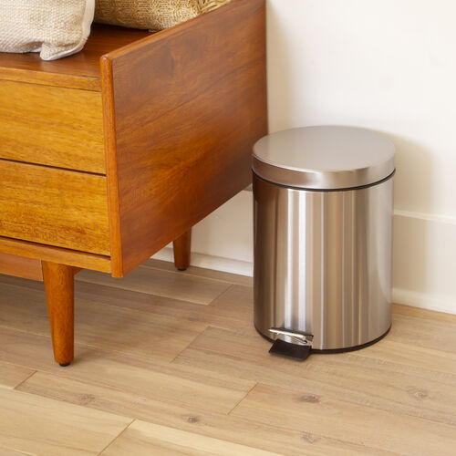 Round Stainless Steel Fingerprint Resistant Soft Close, Step Trash Can - 1.3 Gallons (5L)