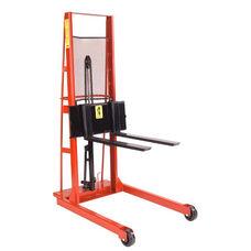 Wide Straddle Fork Model Hydraulic Stacker